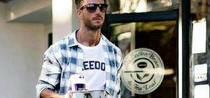 Как мужчинам носить рубашку с футболкой?