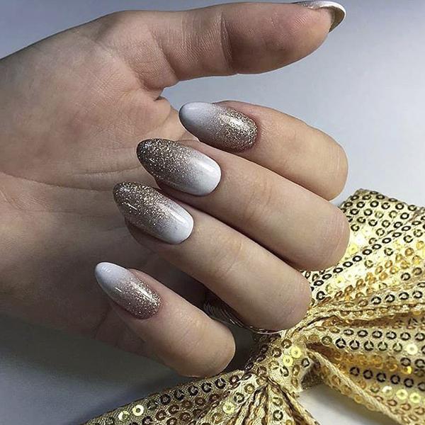 Маникюр с блестками фото идей на ногтях