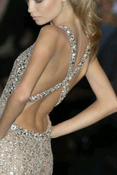 платья с голой спиной 04