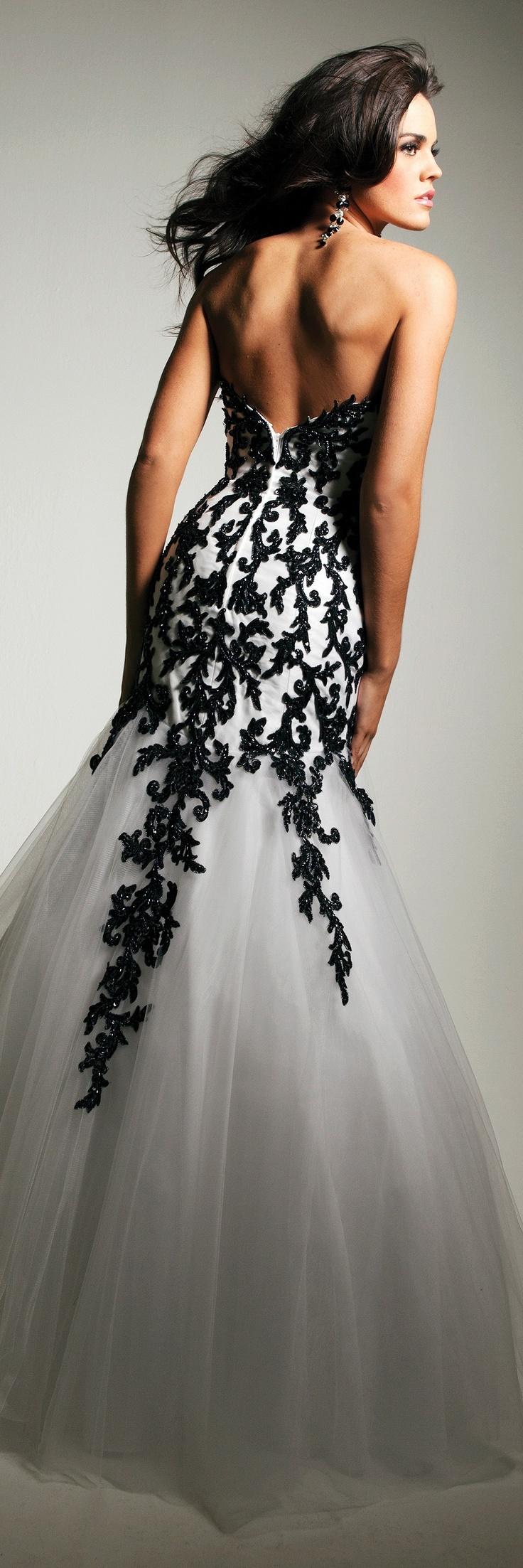 платья с голой спиной 10