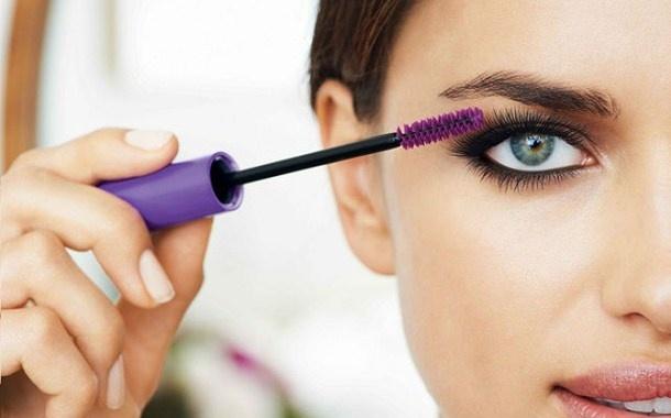 Как сделать глаза опухшими