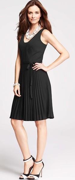 с чем носить черное платье 25