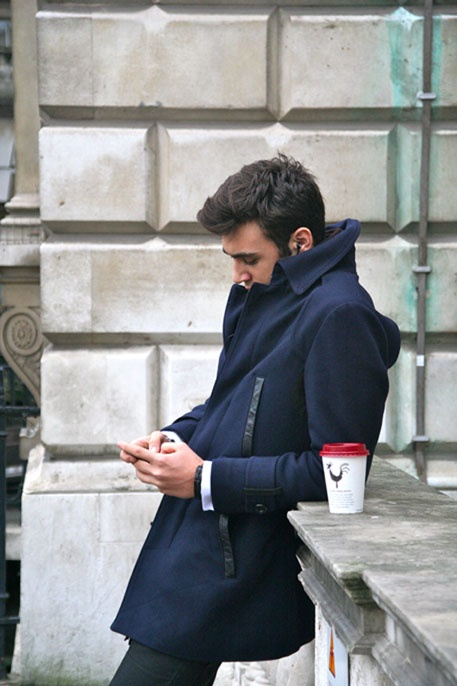 с чем носить мужское пальто 32