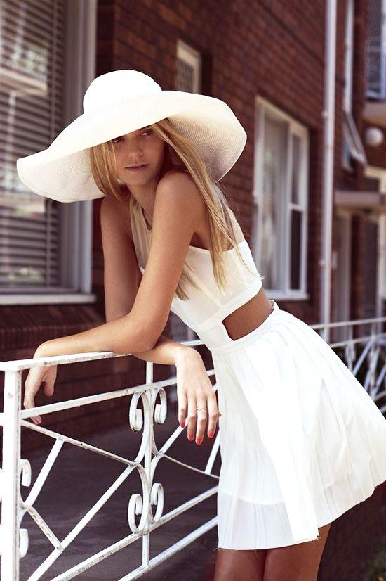 белый цвет в одежде 13