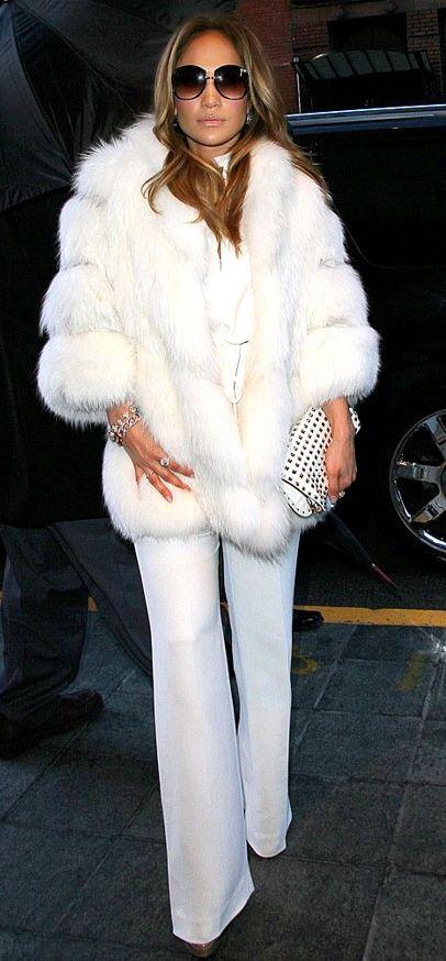 белый цвет в одежде 21