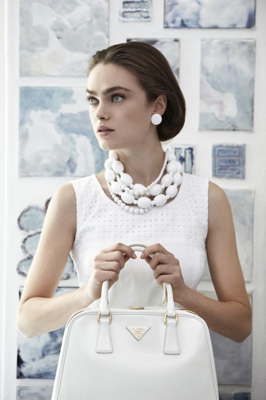 белый цвет в одежде 23