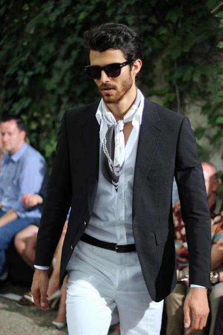 как носить шейный платок мужчине 15