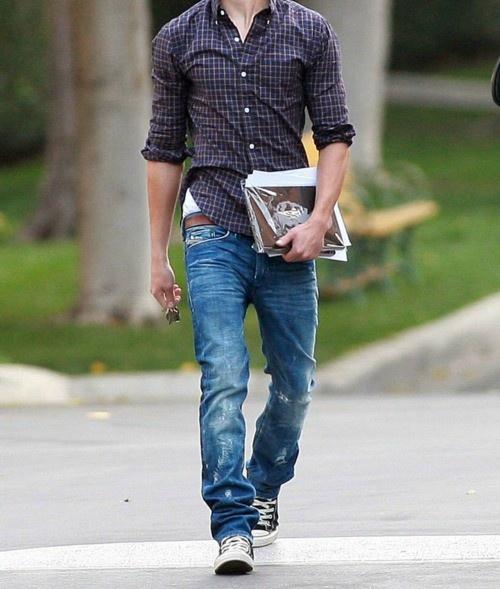 фото мужчин в джинсовых кедах что единственное