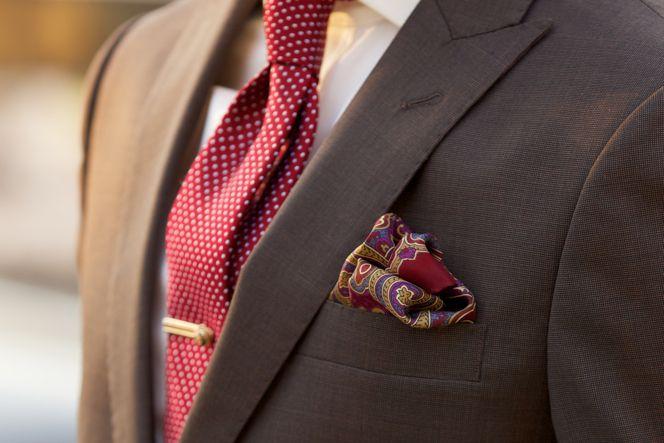 как носить зажим для галстука 08