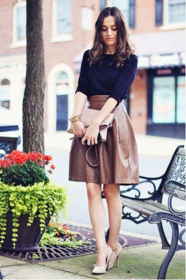 с чем носить кожаную юбку 03
