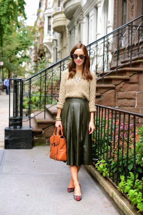 с чем носить кожаную юбку 10