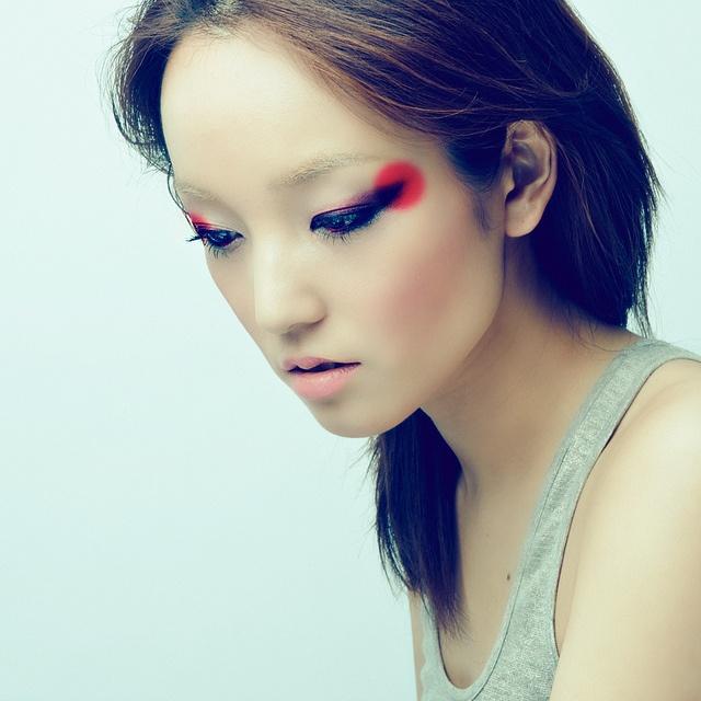 макияж стрелки на глазах 07