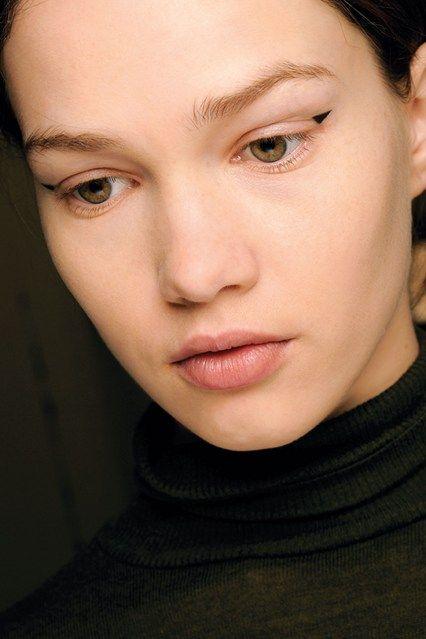 макияж стрелки на глазах 08