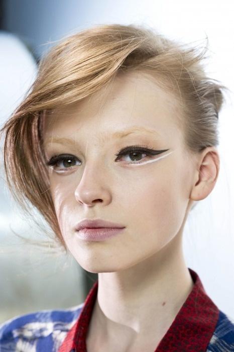макияж стрелки на глазах 15