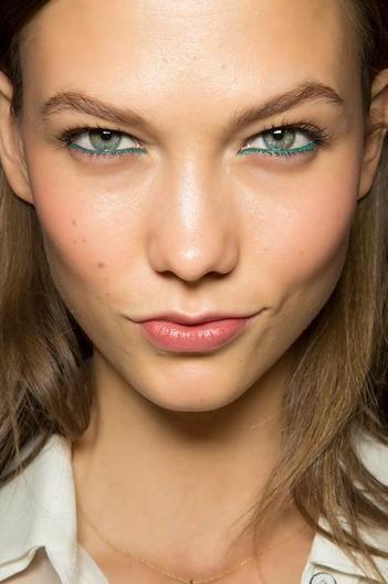 макияж стрелки на глазах 28