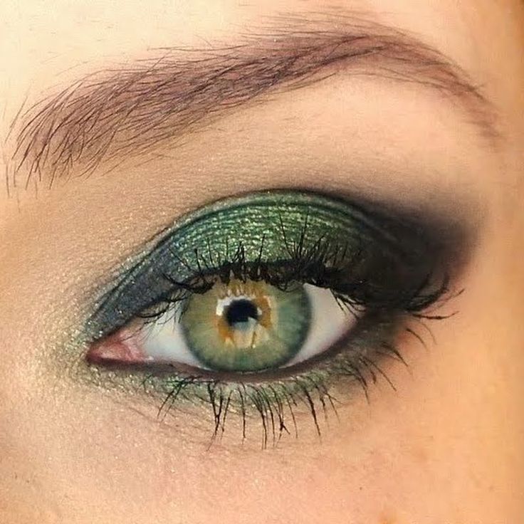 Makeup tutorial for green eyes and brown hair