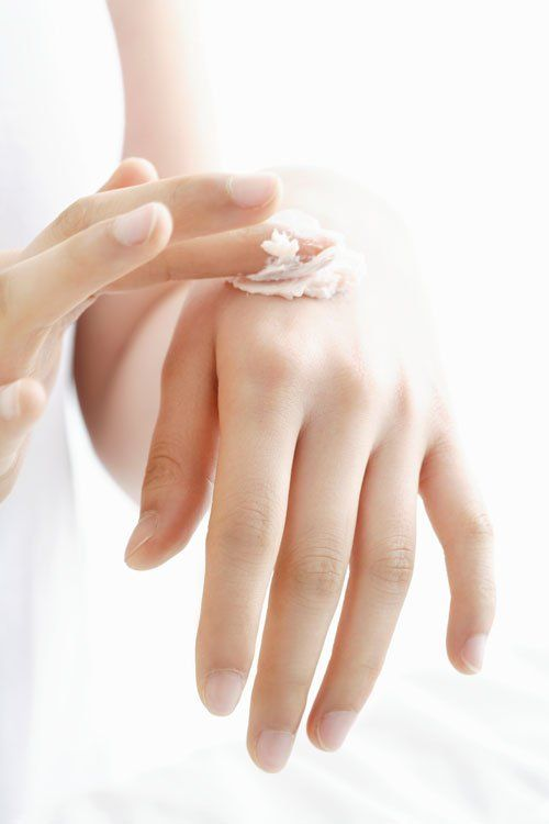 Рецепты ухода за кожей рук летом