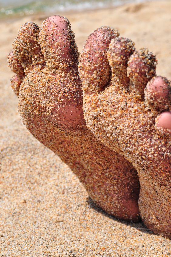 Как удалить огрубевшую кожу на пятках. Рецепты
