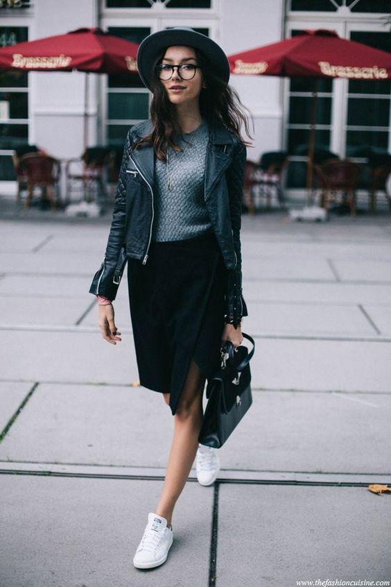 Как носить юбку с кроссовками