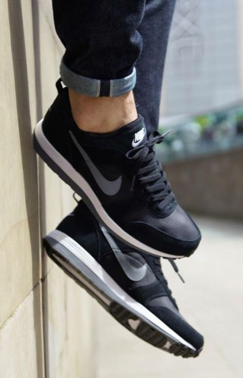 All black nike shoes for men