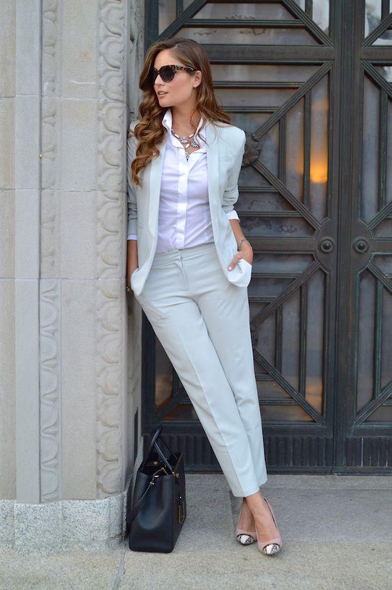 Как одетьсяя на собеседование женщине примеры фото