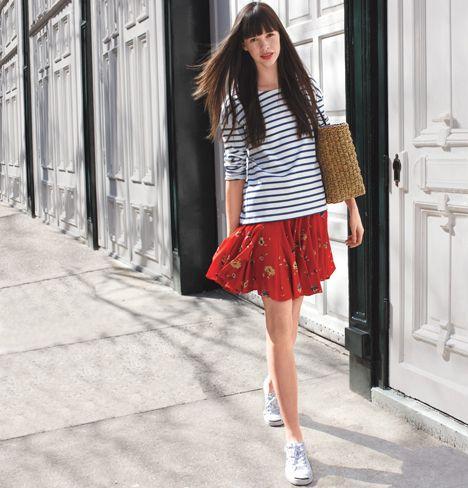 С чем носить юбку с кроссовками фото