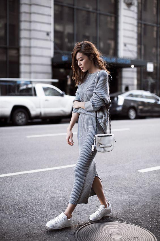 Длинная юбка с кроссовками фото
