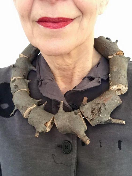 Какие вещи нельзя носить женщинам после 35 лет
