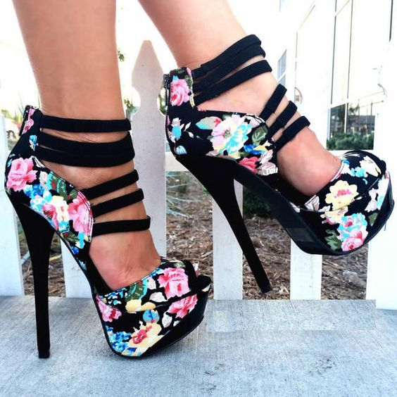 Какую обувь нельзя носить женщинам после 35