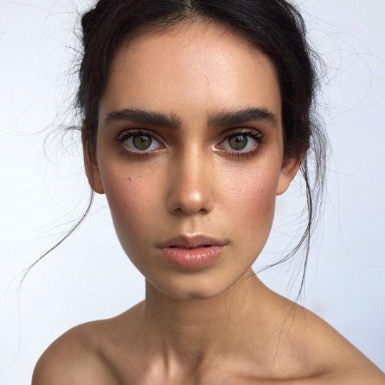 Базовые средства под макияж для лица зачем
