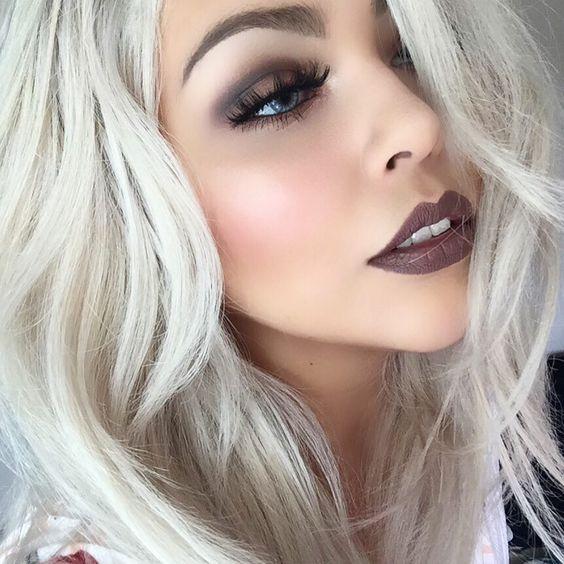 Как сделать макияж с темной помадой