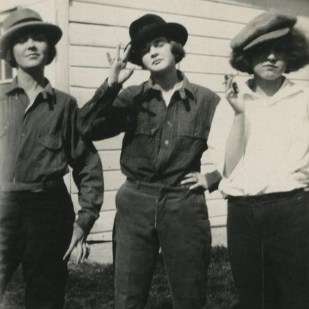 История стиля гарсон в одежде