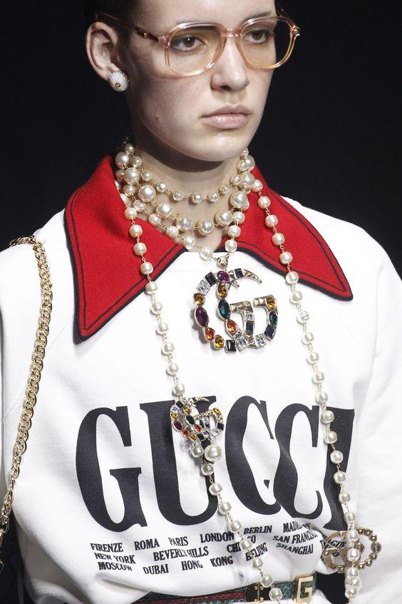 Логомания новый модный тренд